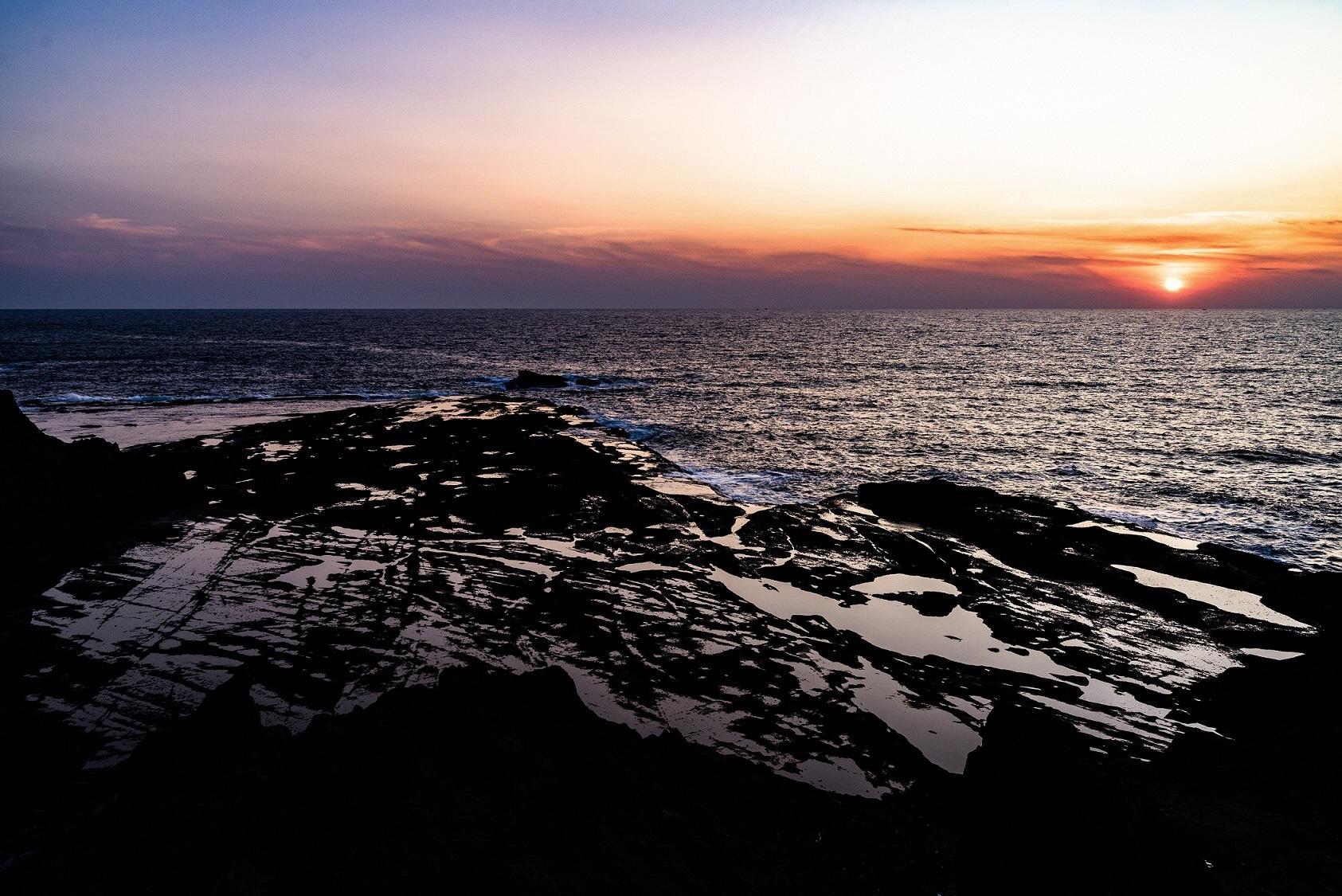 鴎島から望む日没